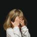 日本で親が毒親になりやすい理由 - 過保護やコントロール系の親について